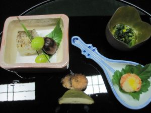 It's all about the seasonal ingredients.  Ginko nuts, chestnuts, Grilled fish such etc...